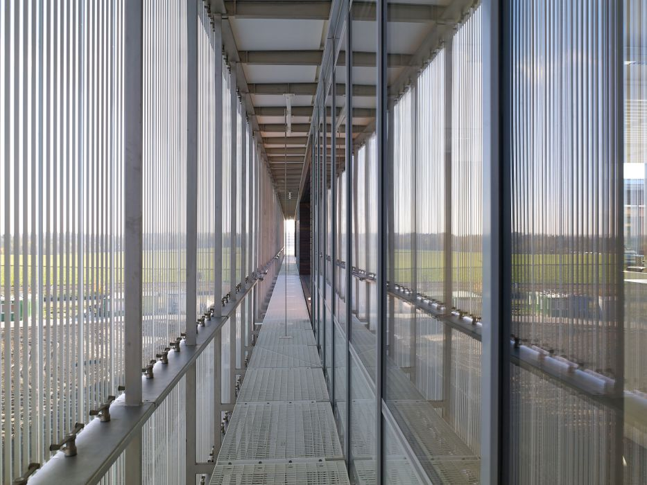 vantelles-thin-steel-sheets-sunshielding-louvres